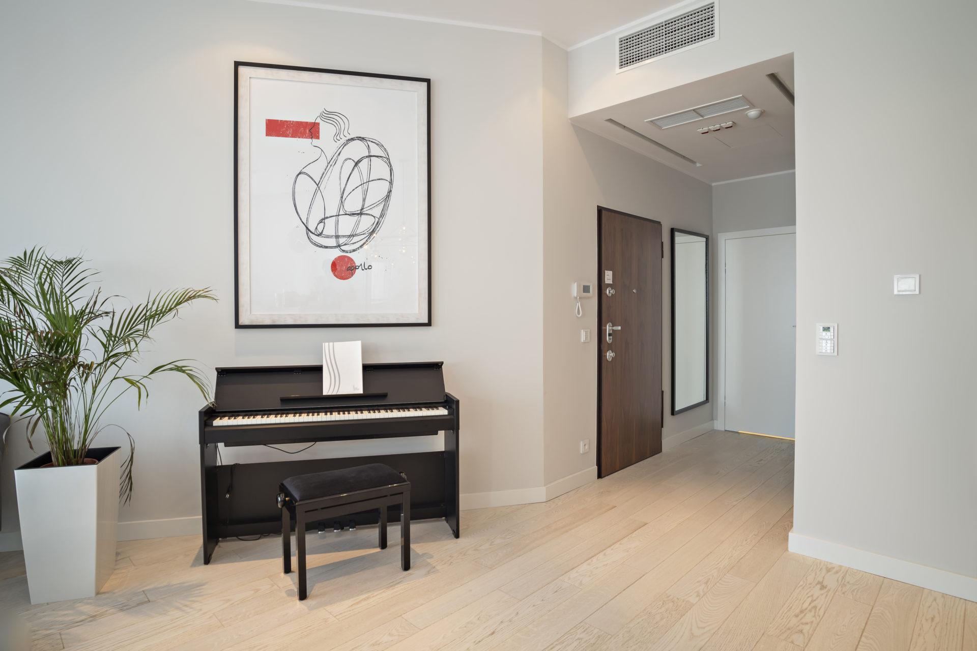 Sky Tower, apartament, projekt wnętrz, architekt Wrocław, pianino, panorama Wrocławia, koru Julia Koczur 04