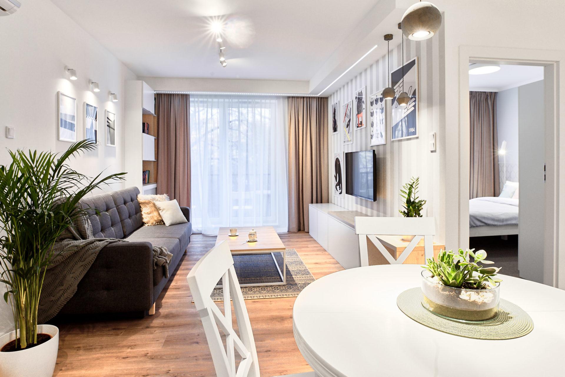 apartament mojito, almond, tv, kuchnia, architekt wnętrz wrocław julia koczur koru 02